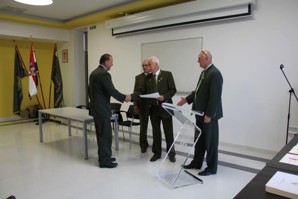 Dodjela diploma i redovnih odlikovanja