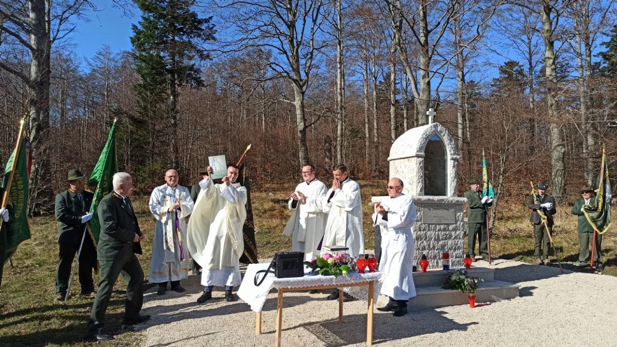 Na Platku otvorena zavjetna lovačka kapelica svetog Huberta
